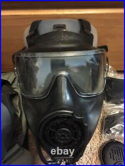 AVON FM53 M53 Gas Mask MED Right Hand With Hood & Filter