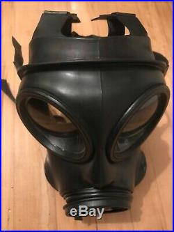 British Army Avon Good Condition 1992 S10 Gas Mask Respirator Size 2 and Filter