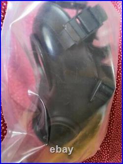 Dutch FM-12 Gas Mask Respirator Size 3 kit + filter