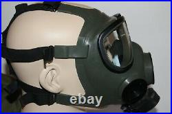 Gas Mask Full Face Respirator Size Medium With Extras Unissued Never Used