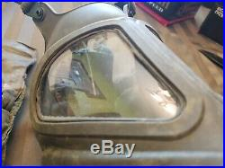 Gas Mask Riot Control XM28E4 collectible Vietnam vintage with bag