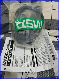 MSA Advantage 3200 Gas Mask Model 3200 Size M/L+ 7 chemical Filters New