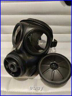 Rare UK British Avon SF10 Gas Mask Respirator, Size 2 Medium