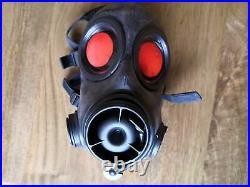 Sealed Dutch FM-12 Gas Mask Respirator Size 2 Kit