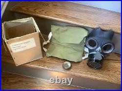 WWII 1942 Civilian Duty Respirator Gas Mask B3/42, Haversack & Dim Cloth Lot